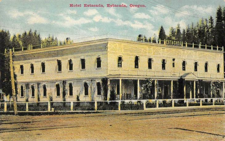 The long-gone Hotel Estacada.